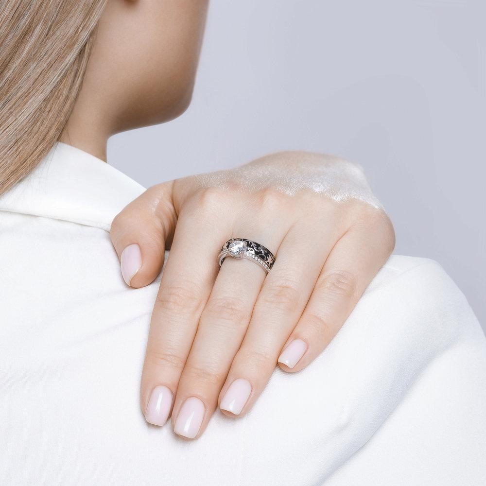 Кольцо из серебра с чёрной эмалью и фианитом арт кс-435