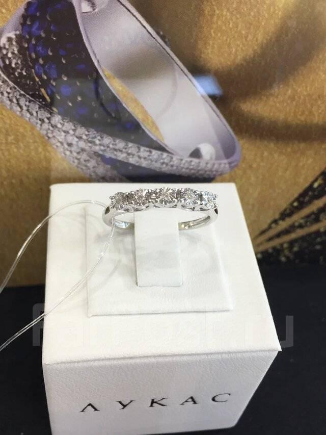 Золотое кольцо с бриллиантами  арт лбк-041