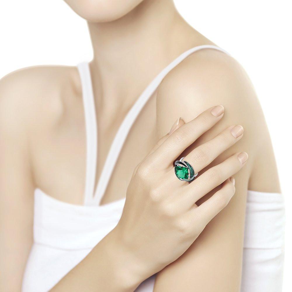 Кольцо из серебра с эмалью с зелёным ситаллом и зелеными фианитами арт 105